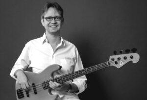 Joey Becker - E-Bass - Gitarre - Unterricht - in Wiesbaden